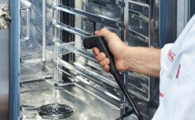Forno autolimpante: descubra 4 benefícios para a sua cozinha